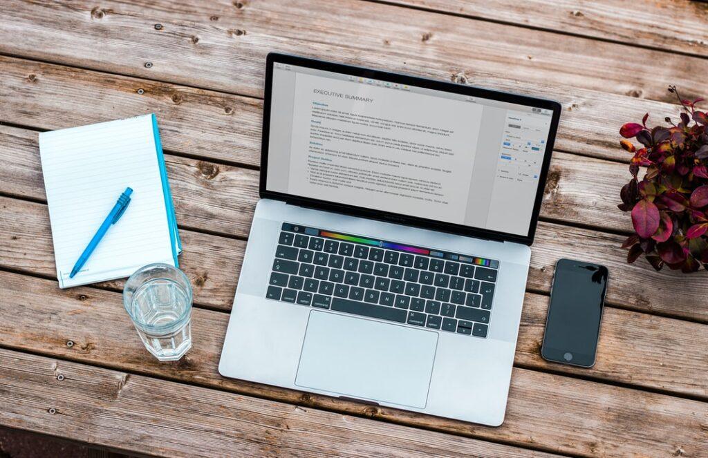 数年前の「ブログで稼ぐ」は『ブログだけ』